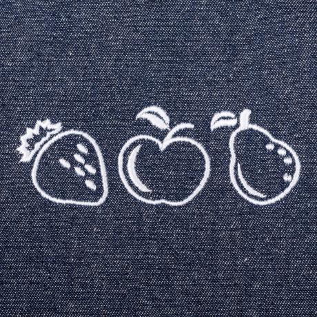 delantal jeans bordado frutas color blanco en peto